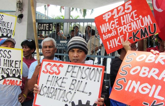 #WalangPuso | Aquino's veto of pension hike draws flak