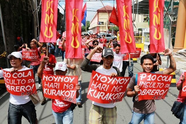 Workers marching to labor department, Sept 10, 2013 (Photo by Jhun Dantes / )