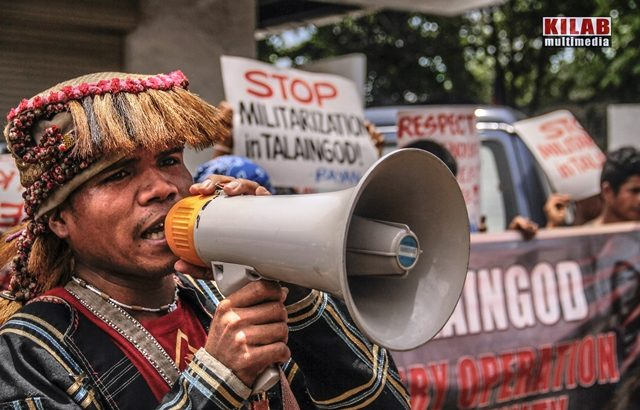 Lumad evacuees troop to govt offices