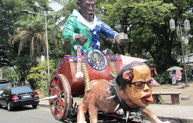 Laughter, hoots at Obama-Noy effigy escort its journey to Mendiola