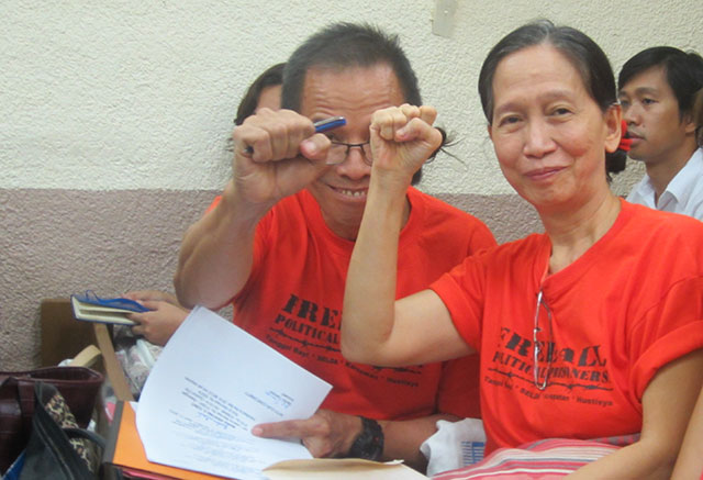 Benito Tiamzon and Wilma Austria Tiamzon attend today's hearing at the Manila Trial Court Branch 32. (Photo by Ronalyn V. Olea / Bulatlat.com)