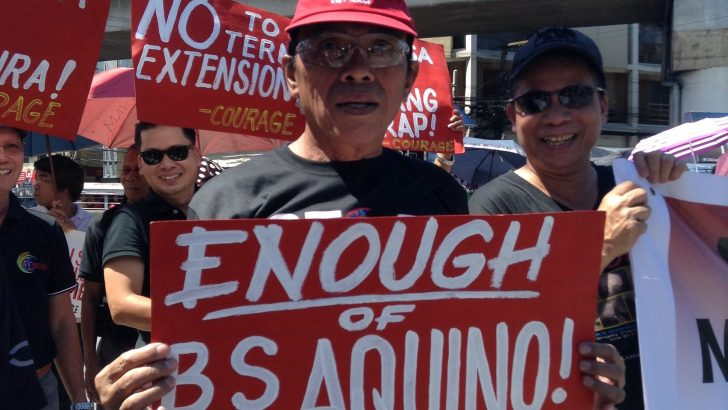 State workers denounce 'Aquino dictatorship'