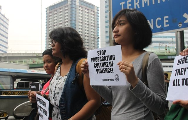 Women students troop to SM North Edsa, protest vs rape shirt, anti-women fashion show