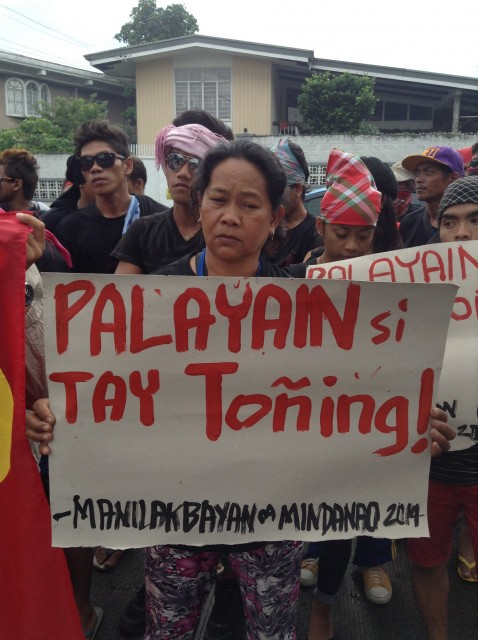 Protesters call for release of peasant leader Flores (By J. Ellao / Bulatlat.com)