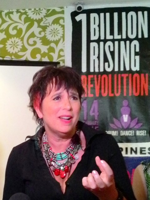 Eve Ensler encourage men to join the call to end all forms of violence against women. (Photo by A. Umil/ Bulatlat.com)