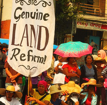 Farmers bat for 'genuine agrarian reform'