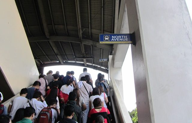Why is Aquino raising MRT, LRT fares when it is not needed? groups ask