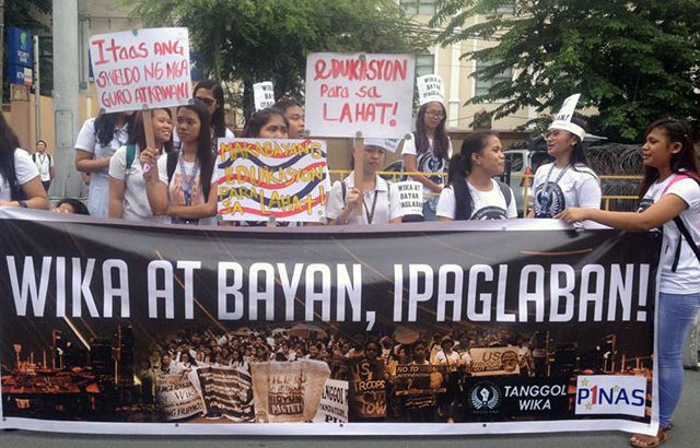 Teachers, students call: 'Wikang Filipino, ipaglaban!'