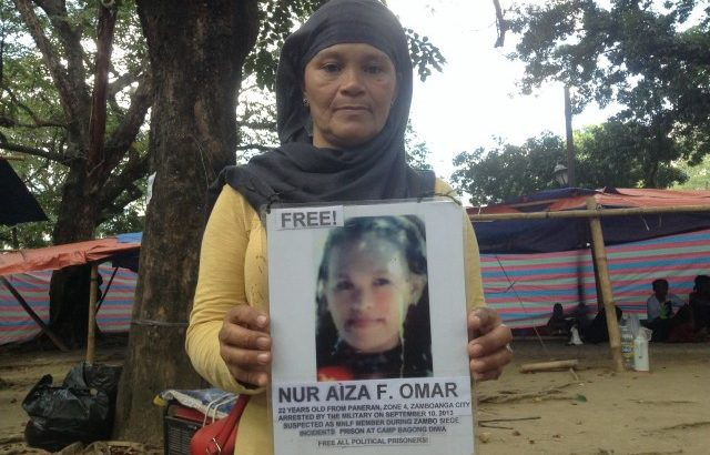 Zambo siege victim | Moro mother wants her daughter freed