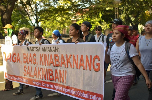 Indigenous and peasant communities under the Martsa Amianan arrived at the capital to join the   historic anti-APEC protests. (Photo by Loi Manalansan/Bulatlat.com)