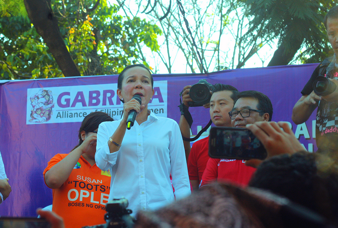 Presidential candidate Sen. Grace Poe during the March 8 women's day rally in Liwasang Bonifacio. (Photo by Ronalyn Olea/ Bulatlat)
