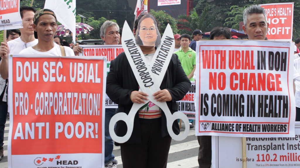 BULATLAT FILE PHOTO. Health groups protesting against Health Secretary Paulyn Jean Rosell-Ubial for implementing same old neoliberal policies in the health sector in Mendiola on Oct. 7. (CONTRIBUTED PHOTO/ BULATLAT)