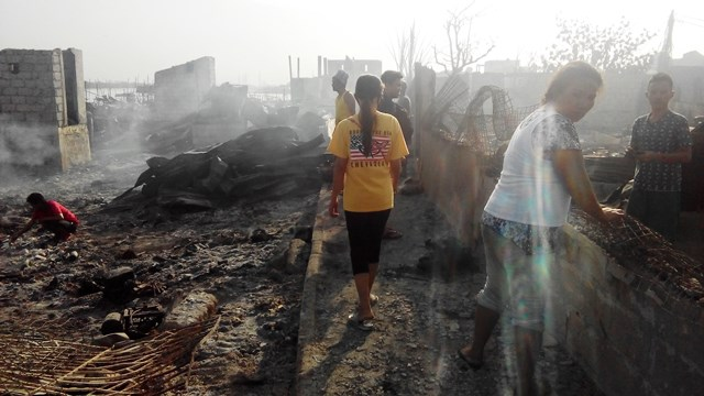 Fisherfolk, urban poor suspect deliberate burning down of their community