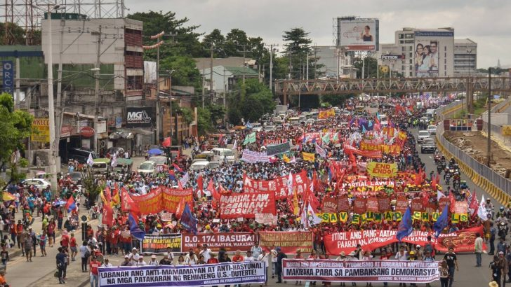 People's SONA 2017 | Thousands of protesters show discontent as they face Duterte